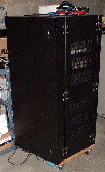Router lab rack, locking front and rear doors, side vented